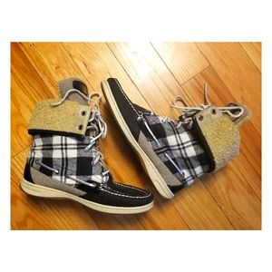 Women's Plaid Sperry Boots